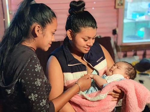 Bild på mamma och barn från projektet